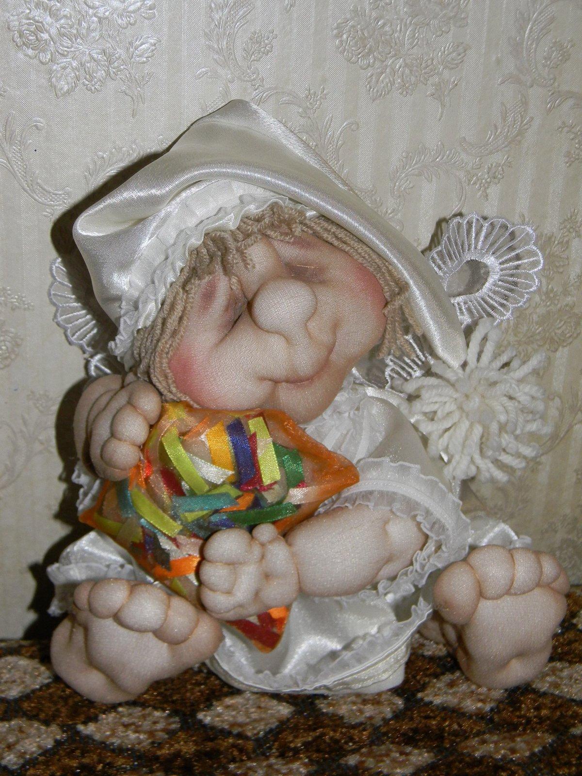 Маленькие куколки из капрона
