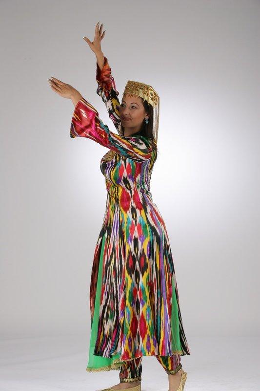 Узбекские национальные платья девушек