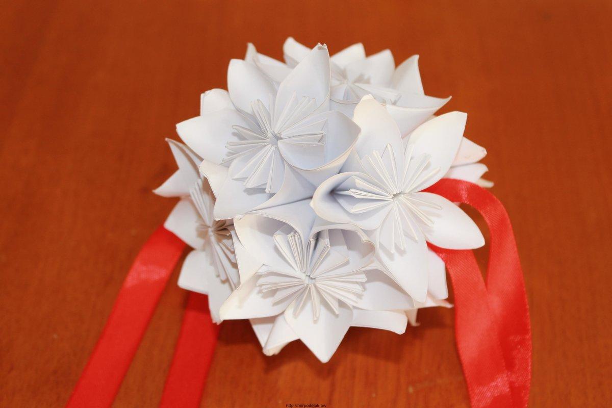 Цветок из бумаги на подарки 71