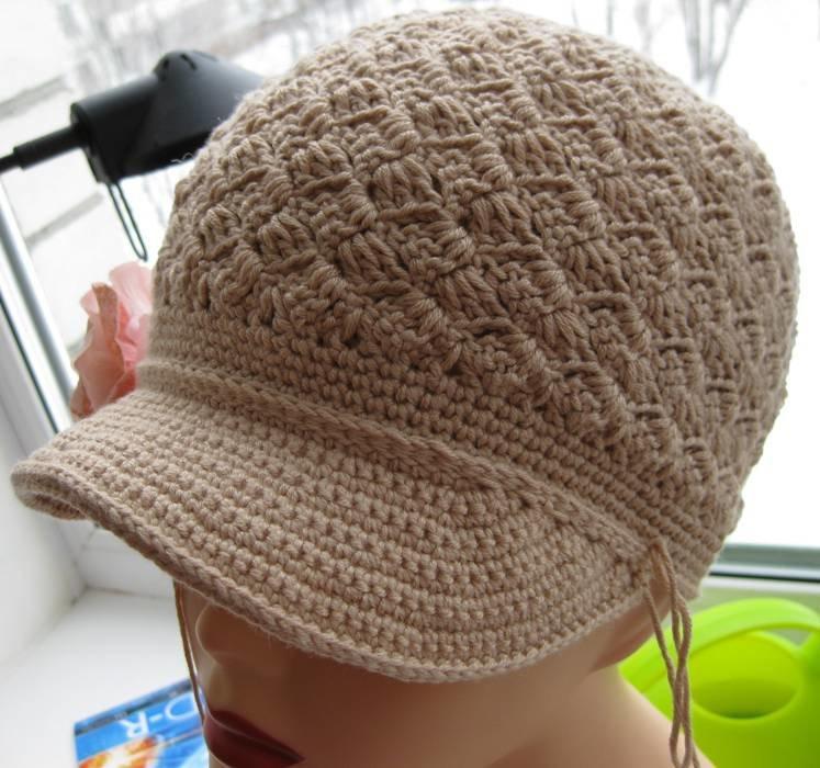 шапка с козырьком вязанная на спицах
