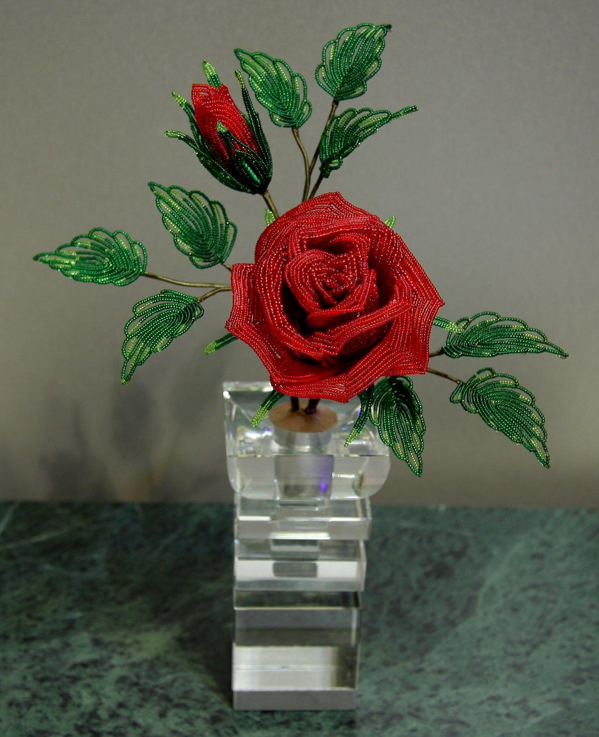 Сделать розу из бисера с пошаговым фото