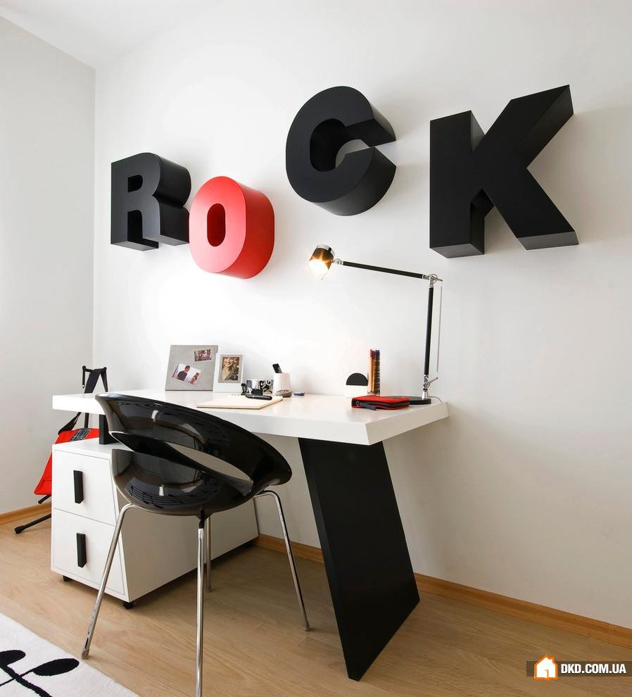 Декор стен в офисе своими руками