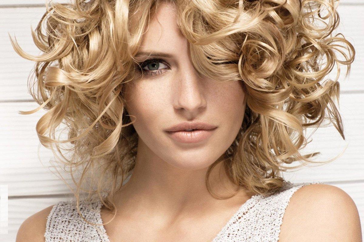 Стильные укладки в домашних условиях на средние волосы