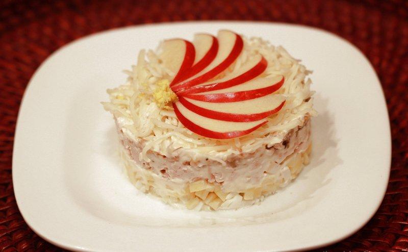 Салаты слоеные с яблоками рецепты с