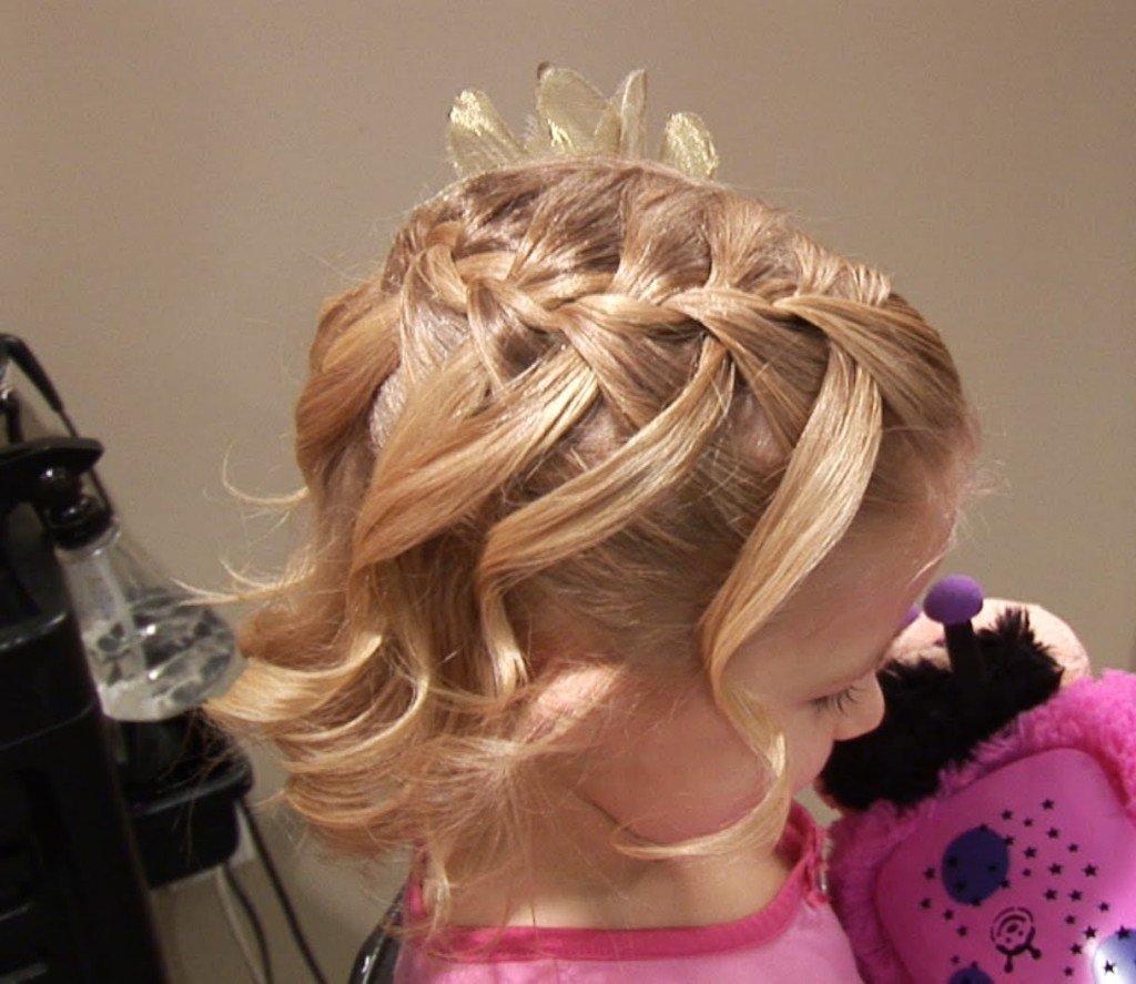 Праздничные прически девочке на средние волосы