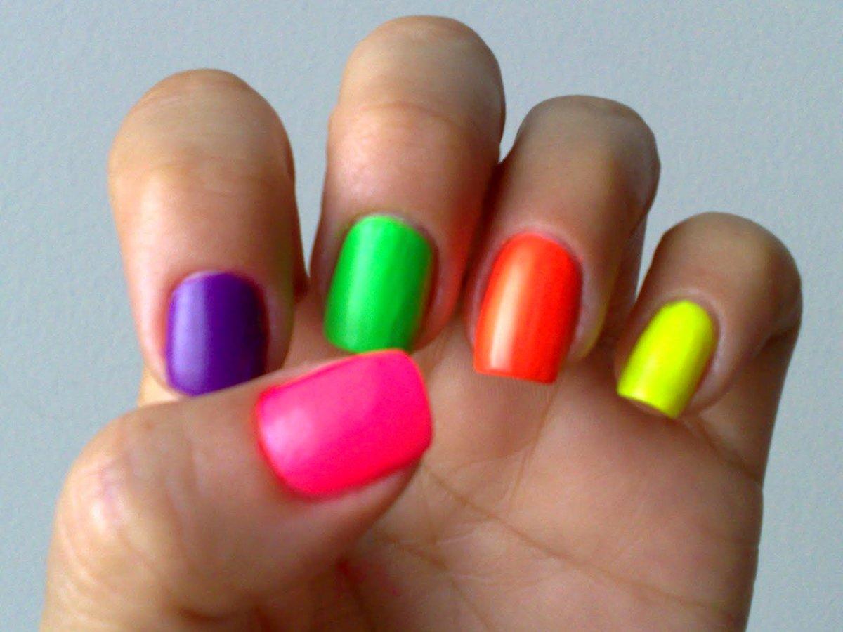 Красить ногти разными цветами фото