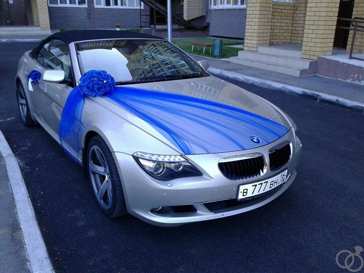 Синие украшения на машину фото