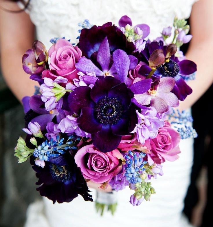 Букет цветов в фиолетовых тонах
