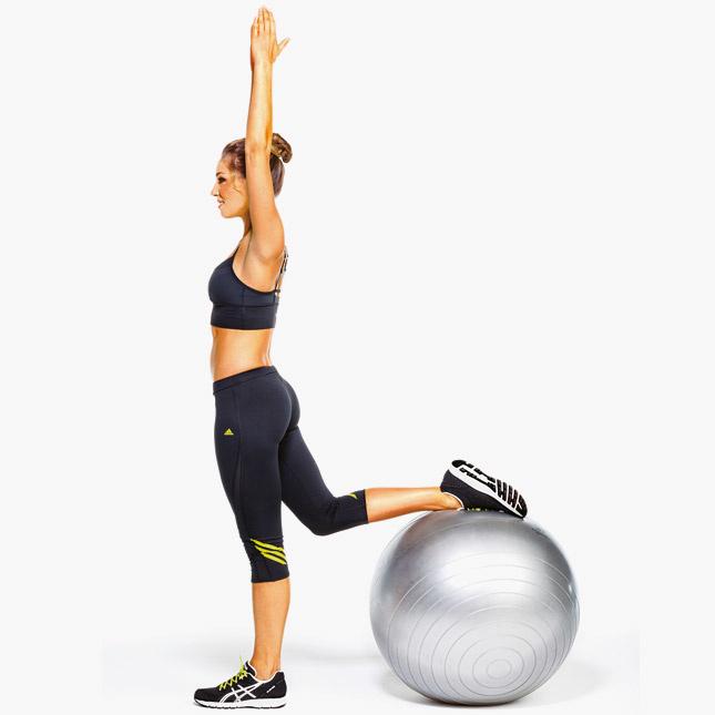 Упражнения с медицинским мячом или медболом