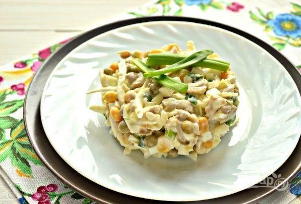 Как приготовить салат из кальмар с яйцом