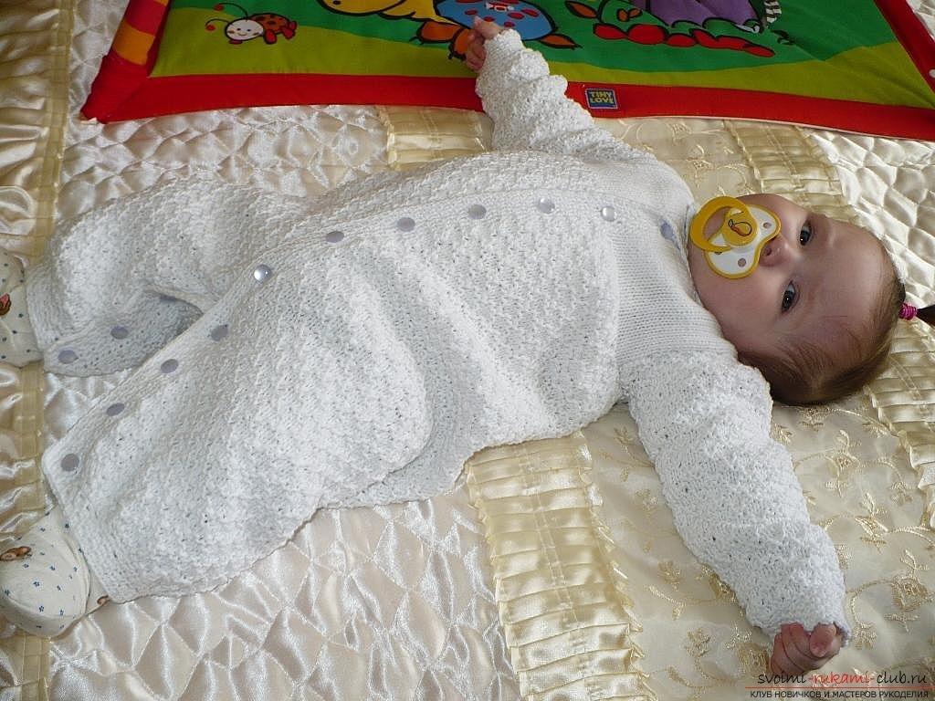 Связать спицами одежду для новорожденного