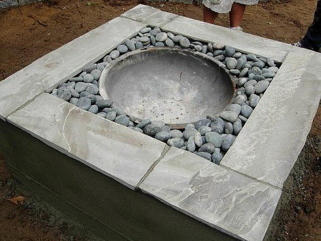 Очаг из бетона