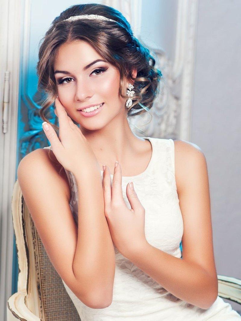 Свадебные причёски в греческом стиле
