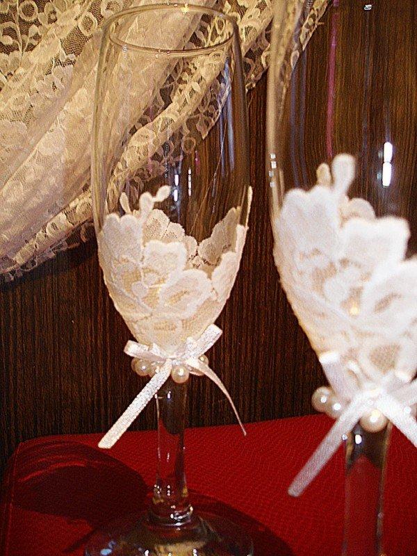 Украшение бокалов кружевом на свадьбу своими руками 74