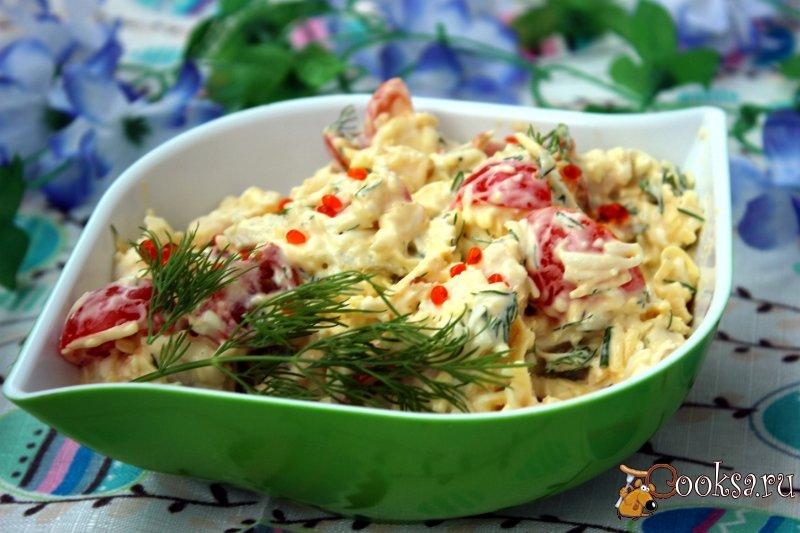 Салат с консервированными кальмарами рецепт с