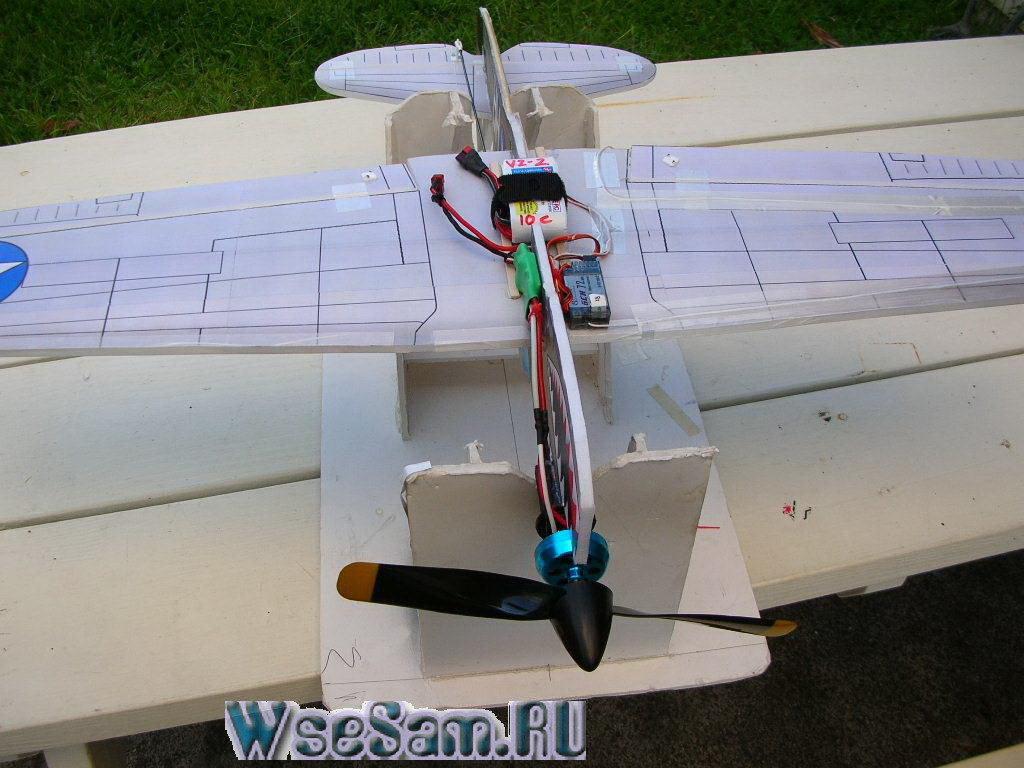 Как сделать самолет с двигателем и с бумаги 19