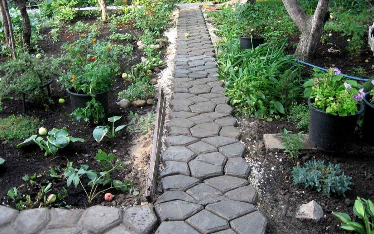 Садовые дорожки из бетона своими руками с малыми затратами фото 78