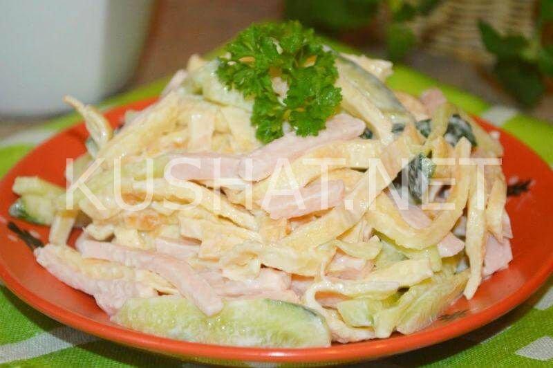 Салаты из яичных блинчиков и колбасы рецепты с