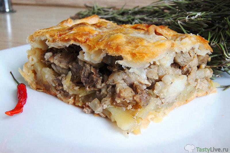 Пирог с мясом и с картошкой из слоеного теста рецепт с пошагово