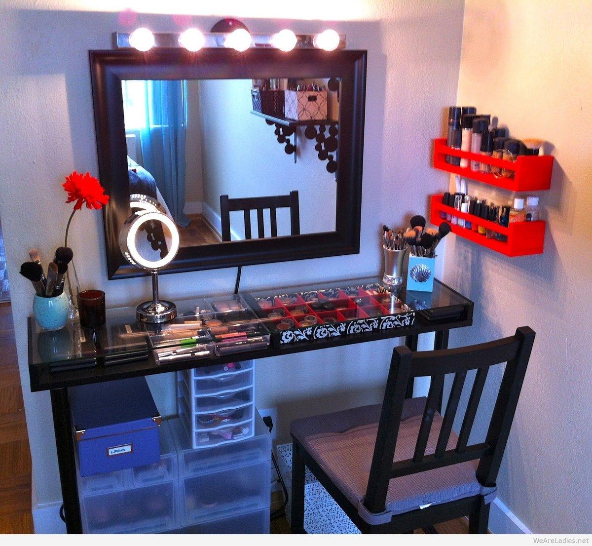 Фото столов для макияжа