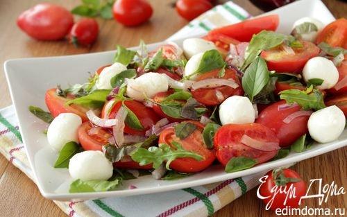 Салат с огурцом помидором и моцареллой