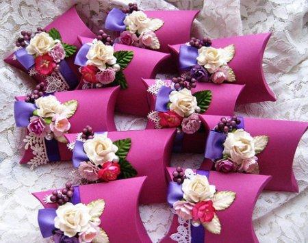Украшение свадебного подарка своими руками