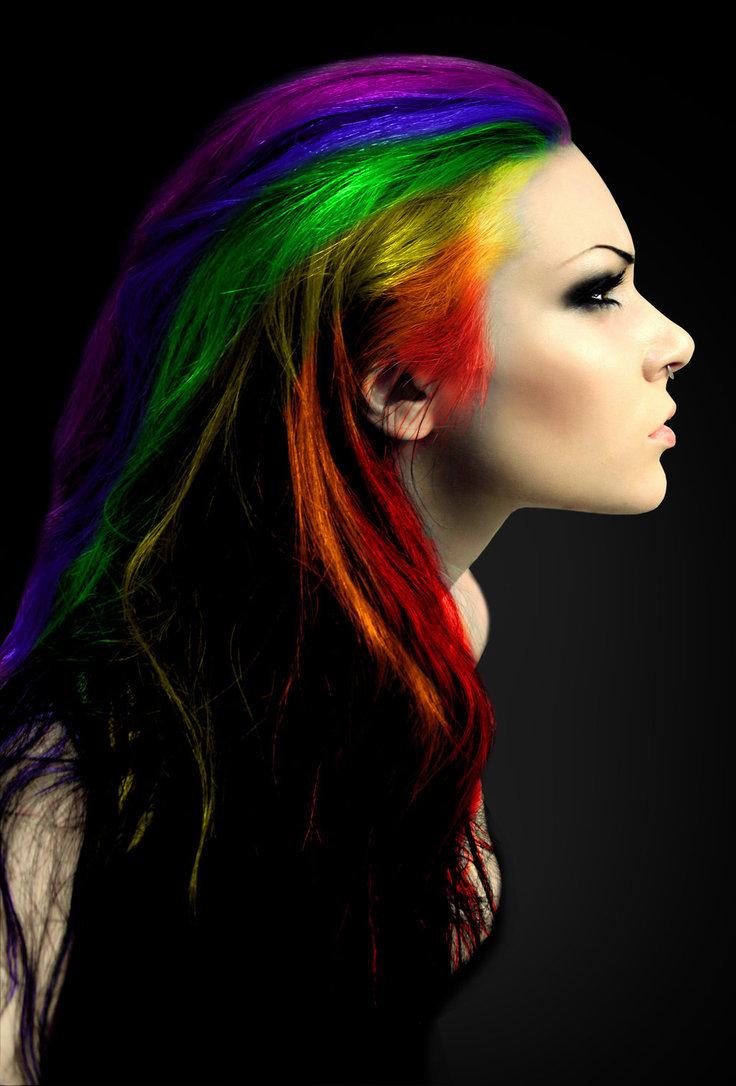 Яркий цвет волос прически