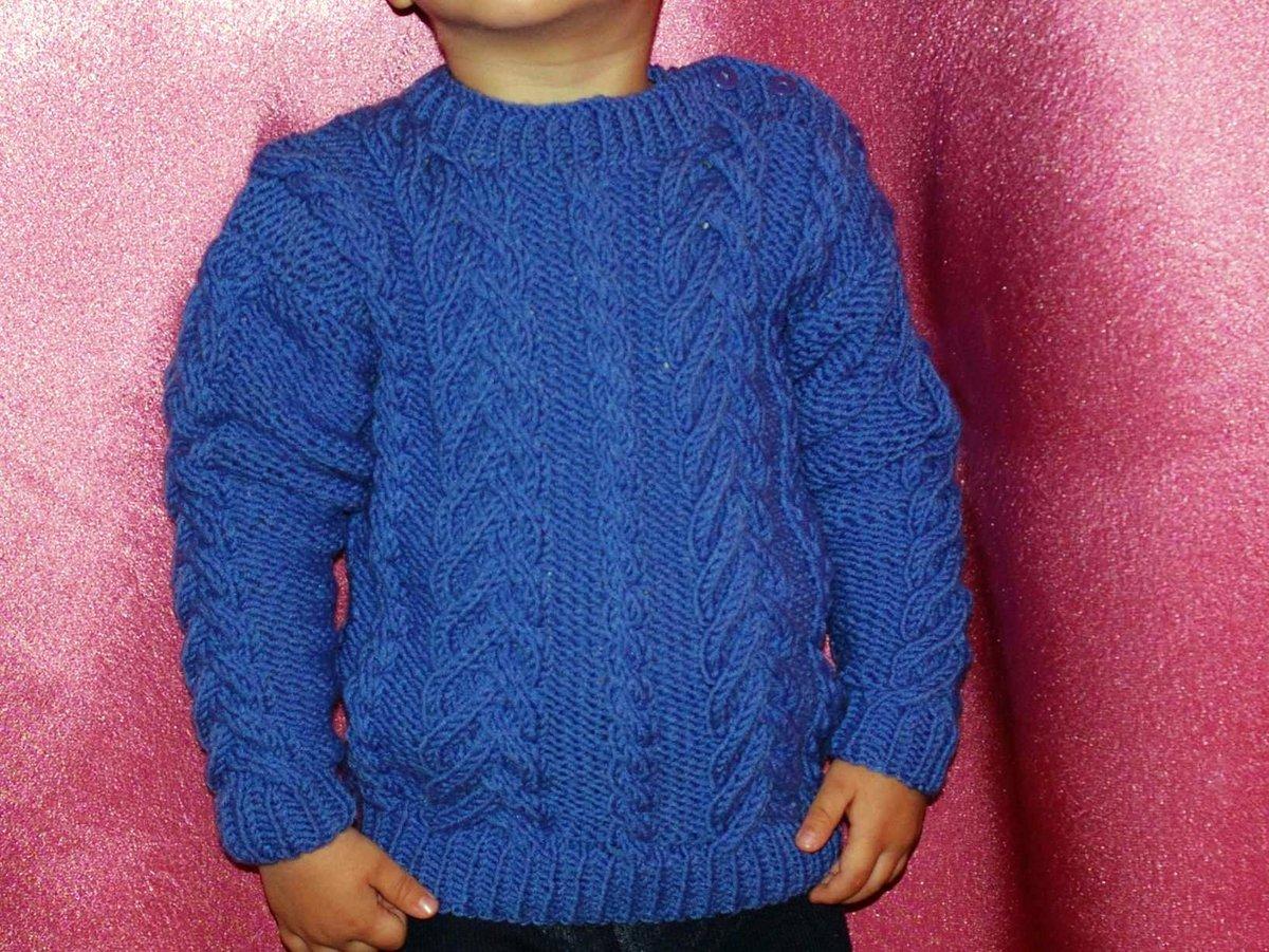 Вязанный детский свитер видео