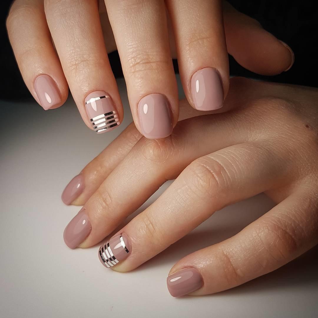 Маникюр нюд на короткие ногти фото