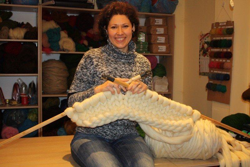 Пряжа для вязания на толстых спицах