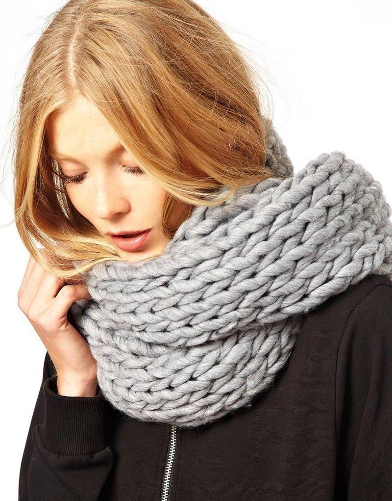 Вязания шарфа крупными спицами