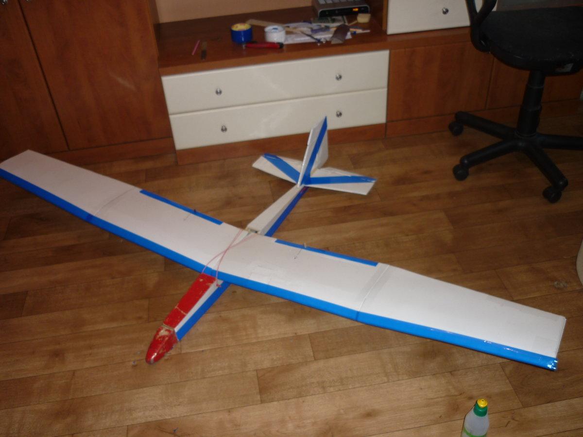 Самолет из плитки своими руками