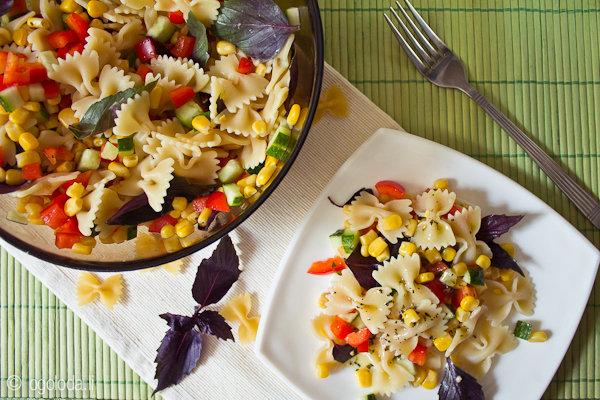 Вкусные салаты к макаронам