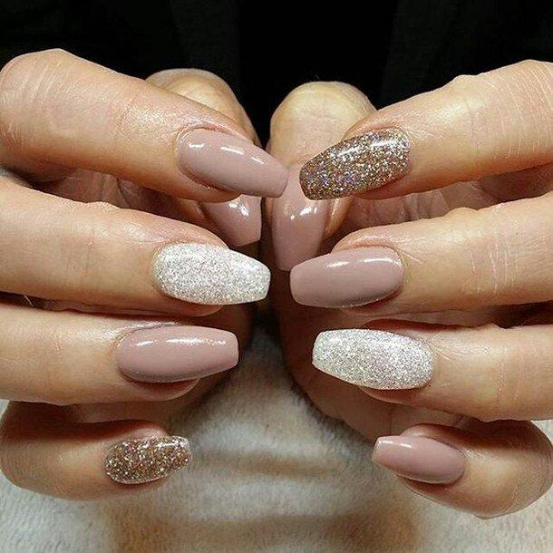 Дизайн длинных ногтей пастельные тона