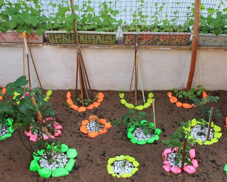 Легкие поделки в огород 70