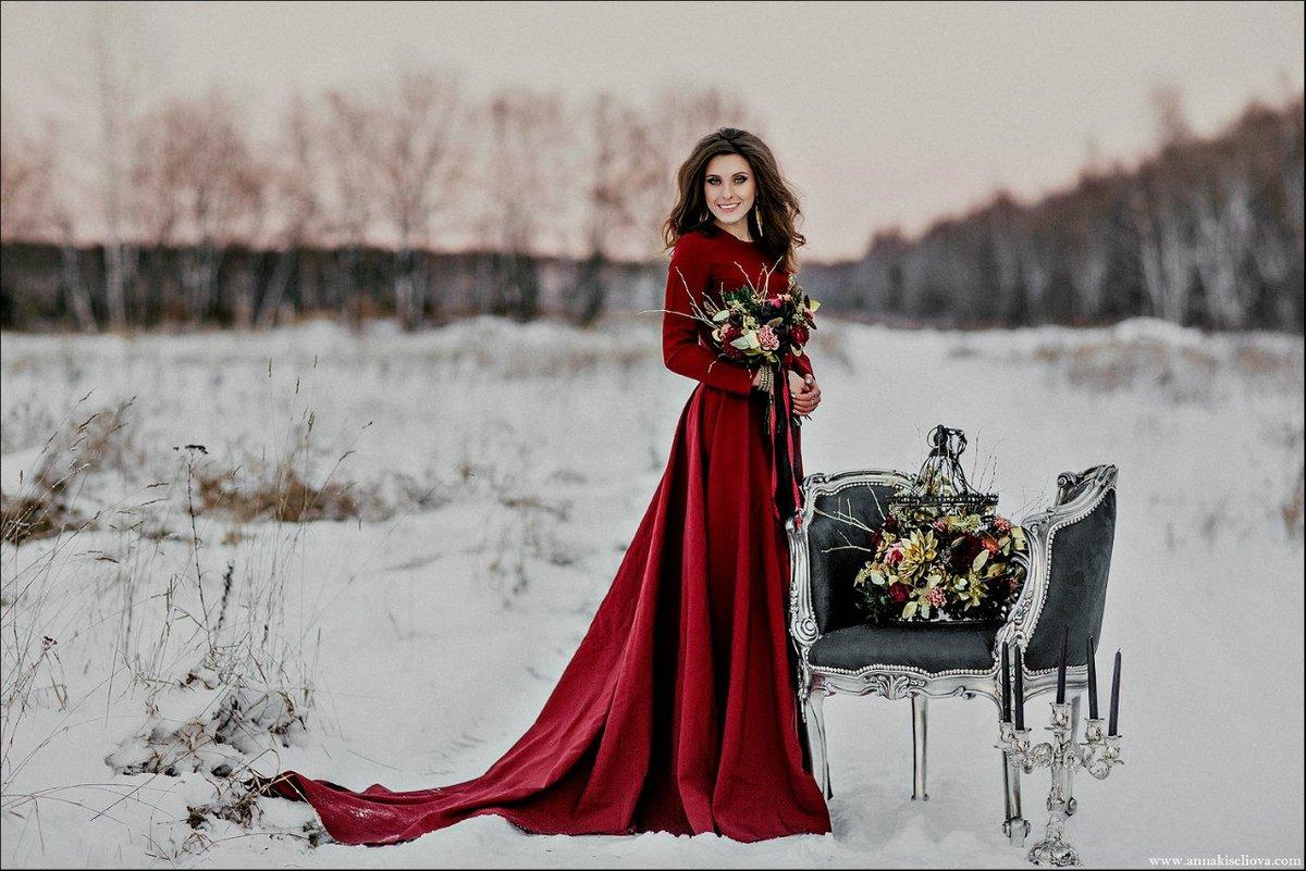 Свадебные фото девушки в красном
