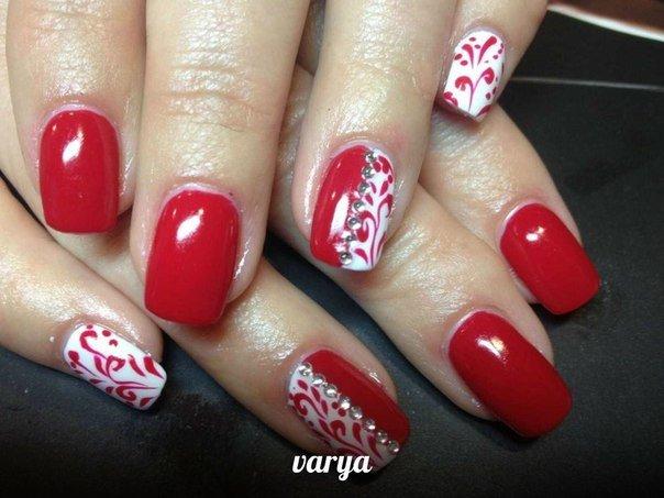 Фото ногтей с красными цветами