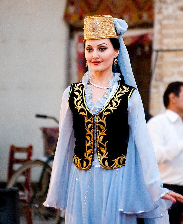 Национальное узбекское платье