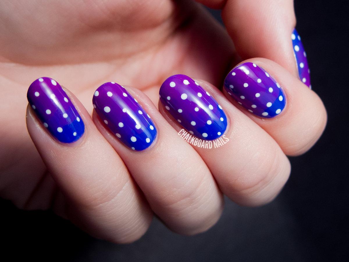 Маникюр на коротких ногтях горошек