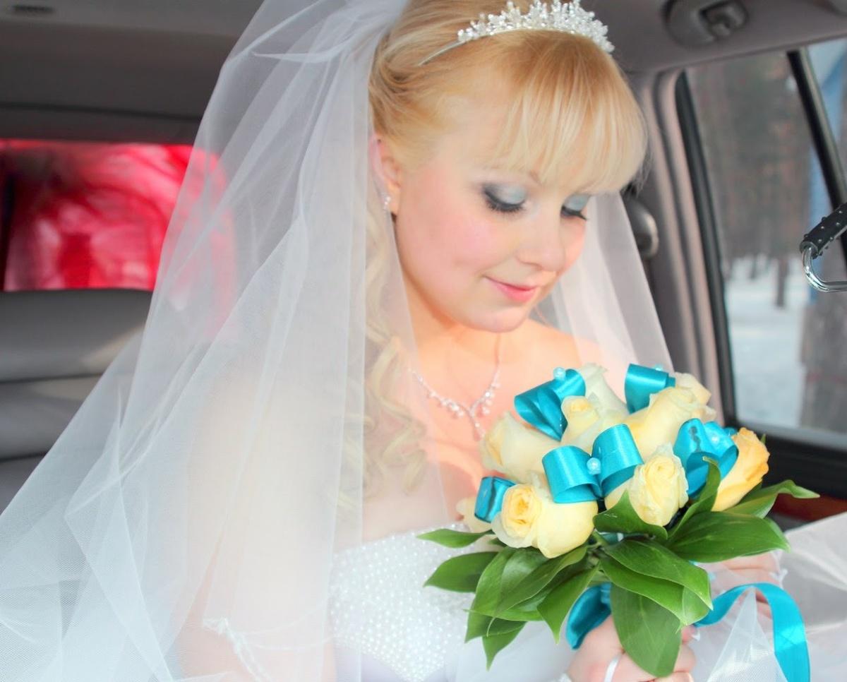 Свадебные прически для блондинок с фатой