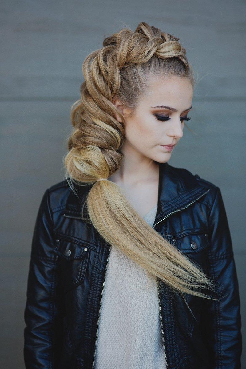 Фото прическа объемная коса