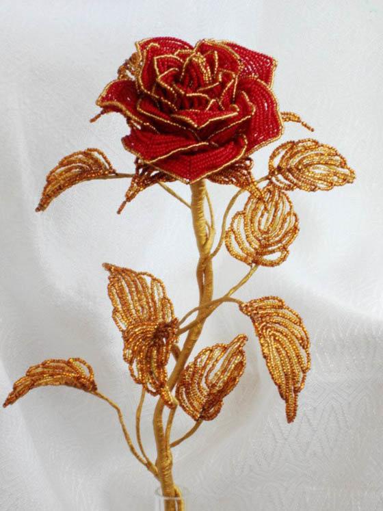 Как сделать розу  из бисера 74