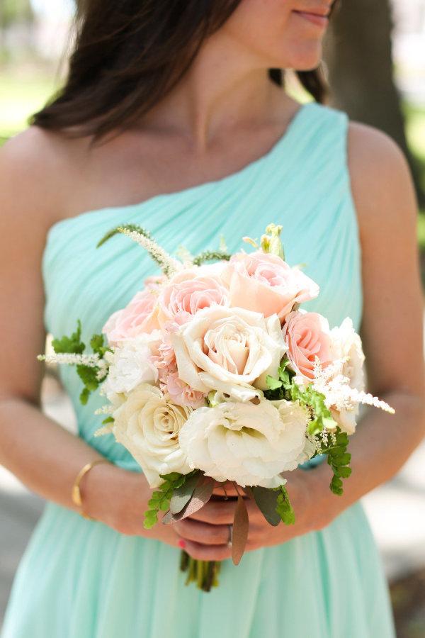 Садовые розы цветы