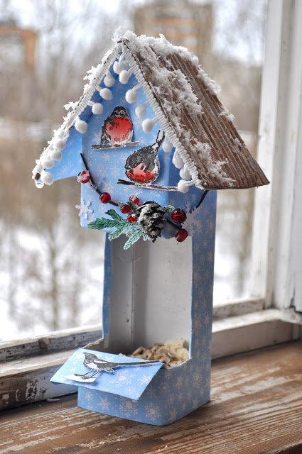 Кормушки для птиц из коробок своими руками