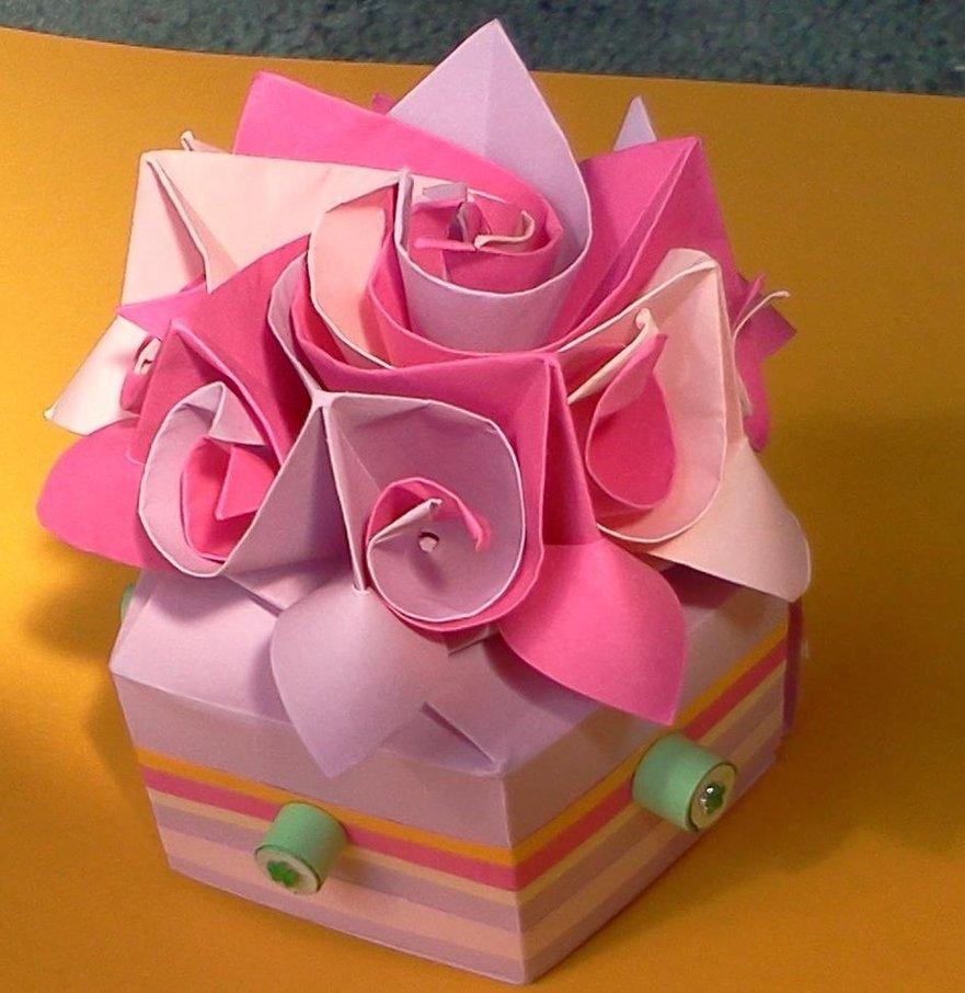Подарок женщине на день рождения своими руками из бумаги 52