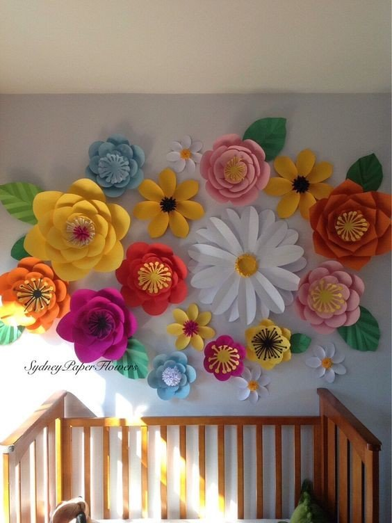 Украшаем стены цветами своими руками