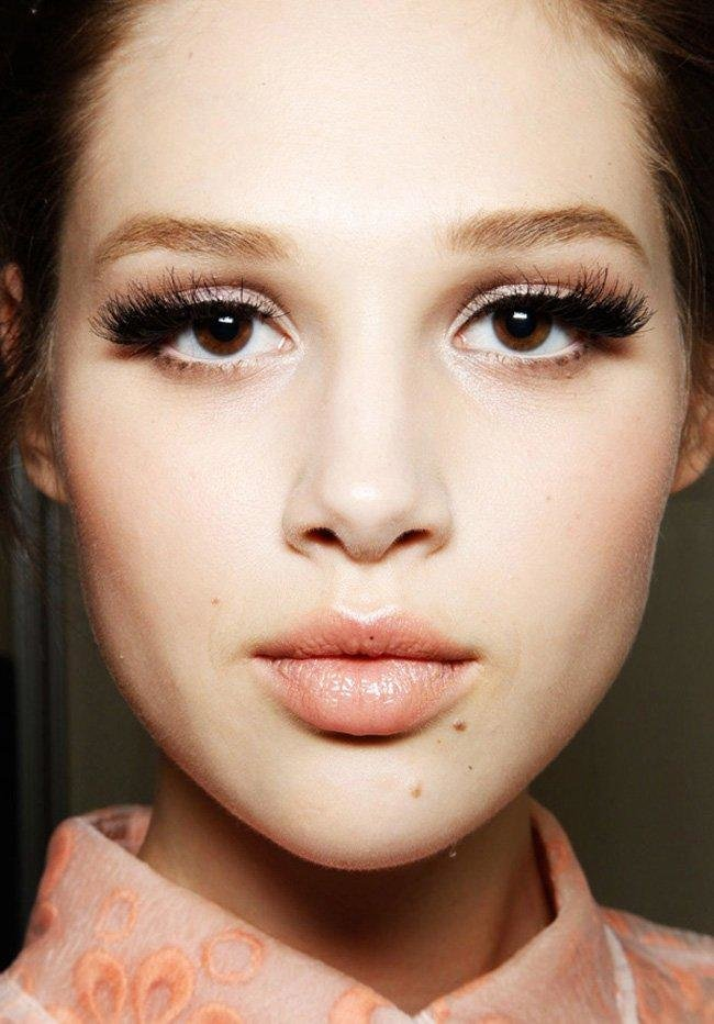 Какой макияж подойдет к светлым карим глазам