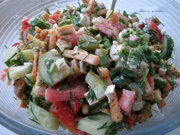 Вкусные салаты с крабовыми палочками и сухариками рецепты с