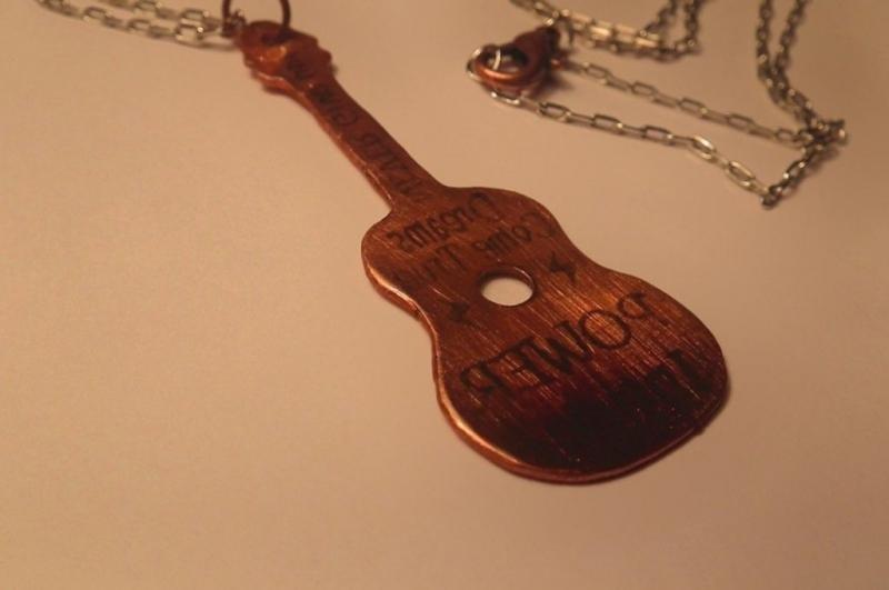 Сделать гитару своими руками сувенир 19