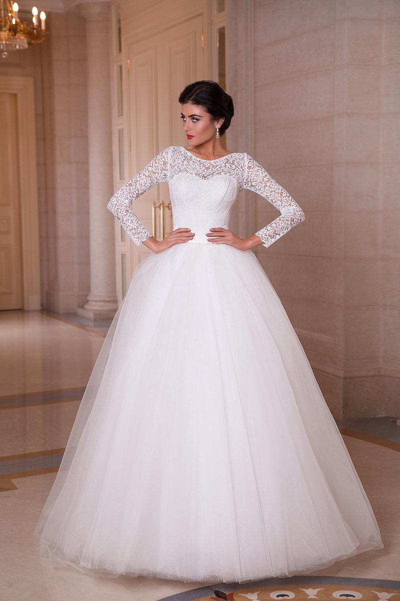 Пышные свадебные платья с кружевным верхом